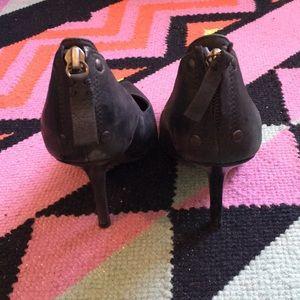 Vera Wang Shoes - Vera Wang black Tammy zip pump